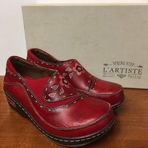 L'Arriste Red Leather Clog by Spring Step